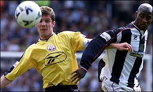 Gudni Bergsson (left) of Bolton and West Brom's Jason Roberts