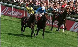 High Rise, ridden by Oliver Peslier, holds off City Honours for victory in 1998