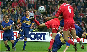 Markus Babbel heads Liverpool's first goal
