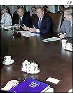 Bush discusses plan with cabinet