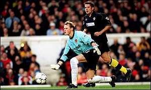 Alex Manninger and James Beattie