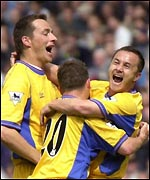 Dennis Wise, right