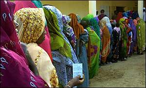 Chadian women queue to vote in the presidential election