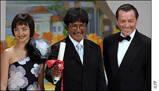 Inuit director Zacharias Kunuk, centre, took the Golden Camera Prize for his film The Fast Runner
