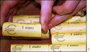 France prepares for the introduction of the euro