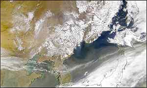 Image taken from Nasa's earth observatory internet site showing a fast cloud of dust over China