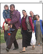 Ethnic Albanians evacuated from Vakcince