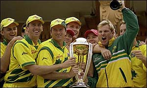 Australia celebrate after beating Pakistan