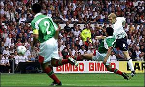 Paul Scholes opens the scoring for England