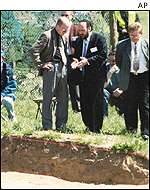 Rabbi Schudrich at the exhumation site