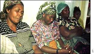 Mourners gathered at Chenjerai Hunzvi's home in Harare
