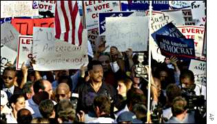 Pro-Gore protest in Florida, with civil rights campaigner Jesse Jackson centre