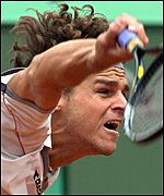 Gustavo Kuerten in action during the French Open semi-finals