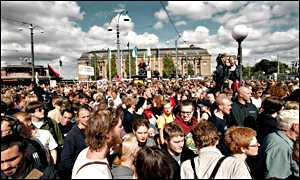 Crowds of people in Gothenburg, Sweden, during the EU-Bush summit