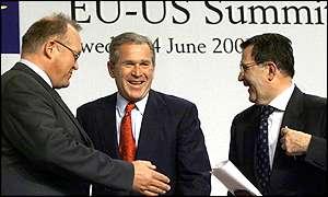 El Presidente George W. Bush, el primer ministro de Suecia                                     Goran Persson, a la izquierda, y el presidente de la Comisión Europea, Romano Prodi