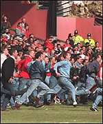 Nottingham Forest fans invade the pitch in 1995