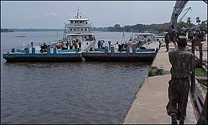 Boat docking in Kisangani