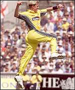 Brett Lee celebrates the dismissal of Alec Stewart