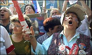 Pro-Milosevic demonstrators