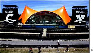 Orange stage, Roskilde 2001