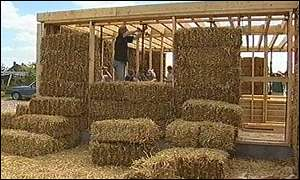 building a straw bale house uk