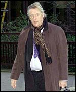 Michael Mansfield ariving at the Dando murder trial