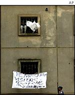 Prisoners riot at Carandiru in February 2001