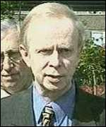 Sir Reg Empey is to put proposal before commission