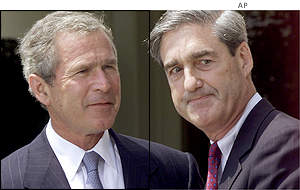 Robert Mueller, right, with US President George Bush