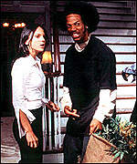 Anna Faris and Marlon Wayans in Scary Movie II
