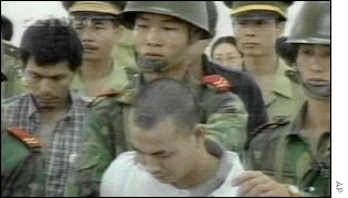 Chinese prisoners led to execution