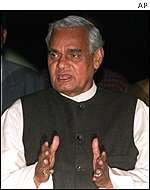 Prime Minister Vajpayee invites General Musharraf to visit India