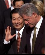 Premier Zhu Rongji with ex-US President Bill Clinton