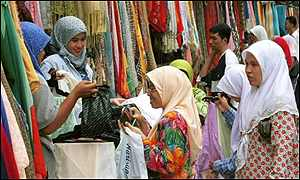 Malaysian women shopping