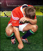 Jonny Wilkinson suffers at the final whistle