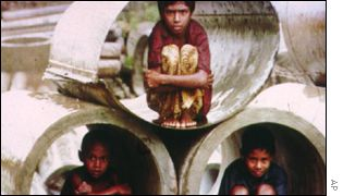Children living in draining pipes AP
