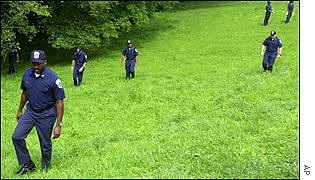 Police search of Rock Creek Park