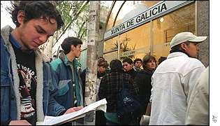 Argentinians seeking to emigrate