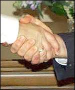 Bush and Putin shake hands