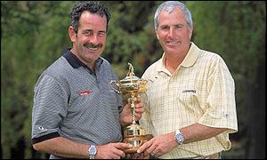 European captain Sam Torrance and US skipper Curtis Strange with the Ryder Cup