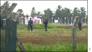 Soldiers searching Colombo airport