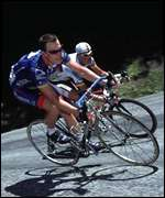 Armstrong and Ullrich battle it out during Tour 2001