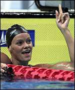 Inge de Bruijn celebrates in the pool