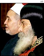 The head of the Orthodox Coptic Church in Egypt, Pope Shenouda III (r), and the top Muslim cleric in Egypt, Sheik Mohammed Sayed Tantawi