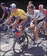 Lance Armstrong and Jan Ullrich shadow each other