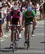 Erik Zabel out sprints Stuart O'Grady