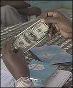 Somali counting US dollars