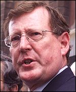 David Trimble clashes with Sinn Fein over IRA arms pledge