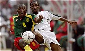 Okocha (r) in the final of the 2000 Nations Cup