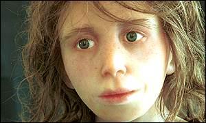 Reconstrucción de un niño de neandertal por E.Daynès, París. http://news.bbc.co.uk/olmedia/1470000/images/_1470785_010802neanderthal300.jpg